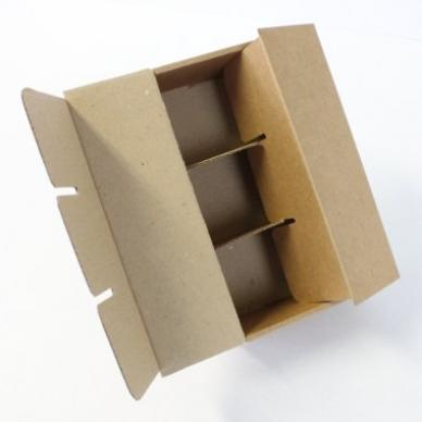Caisses carton avec croisillons intégrés