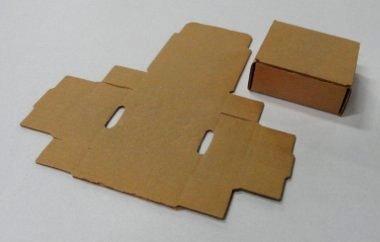 Découpe carton - Boîte découpée